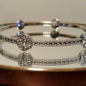 Jewelry - NWOT Silver Rhinestone Bangle